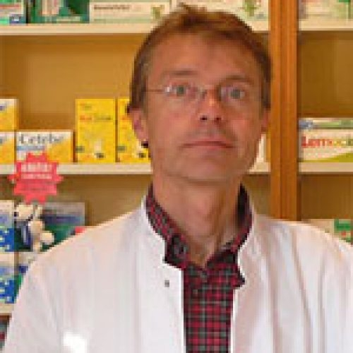 Herr Oliver Lewin